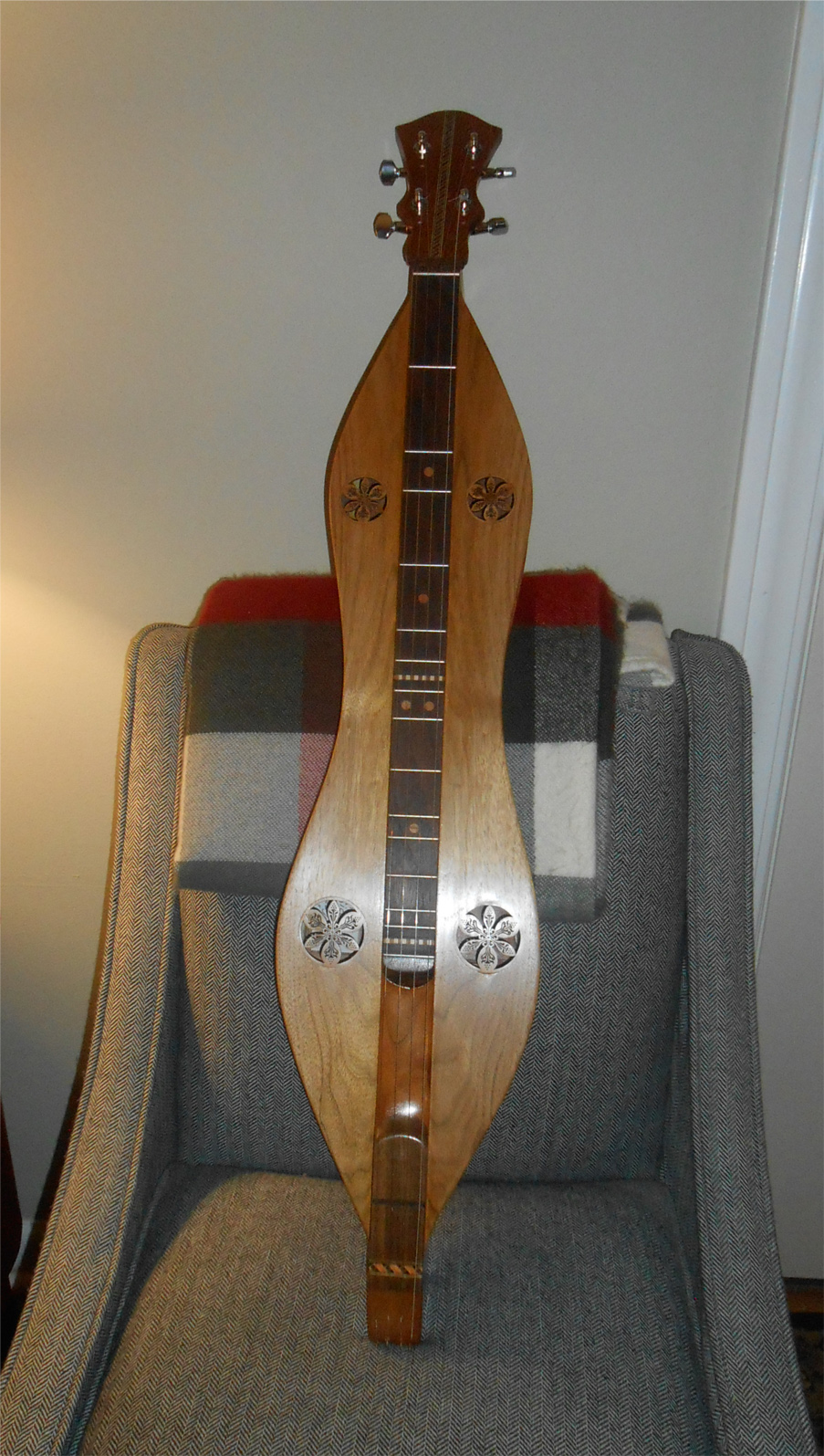 finished-bubinga-butternut-mountain-dulcimer 2