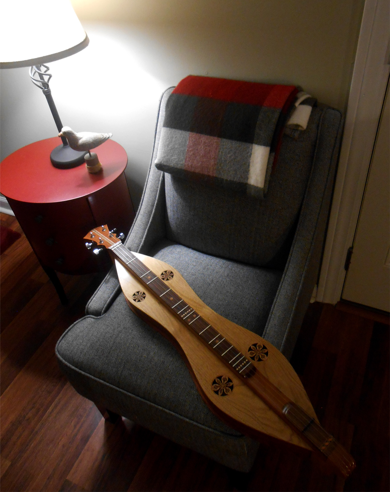 finished-bubinga-butternut-mountain-dulcimer bob