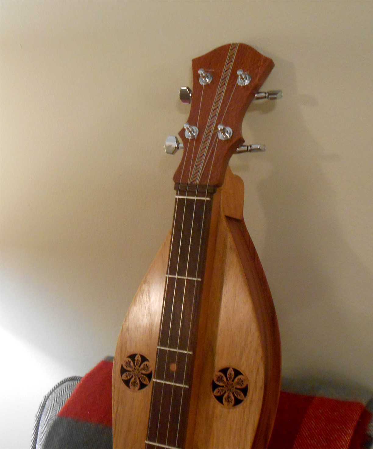 finished-bubinga-butternut-mountain-dulcimer